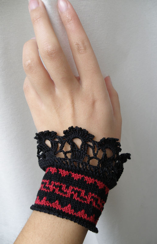 Victorian-Inspired Lace Bracelet - Crochet Me